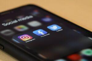 smartphone con aplicaciones